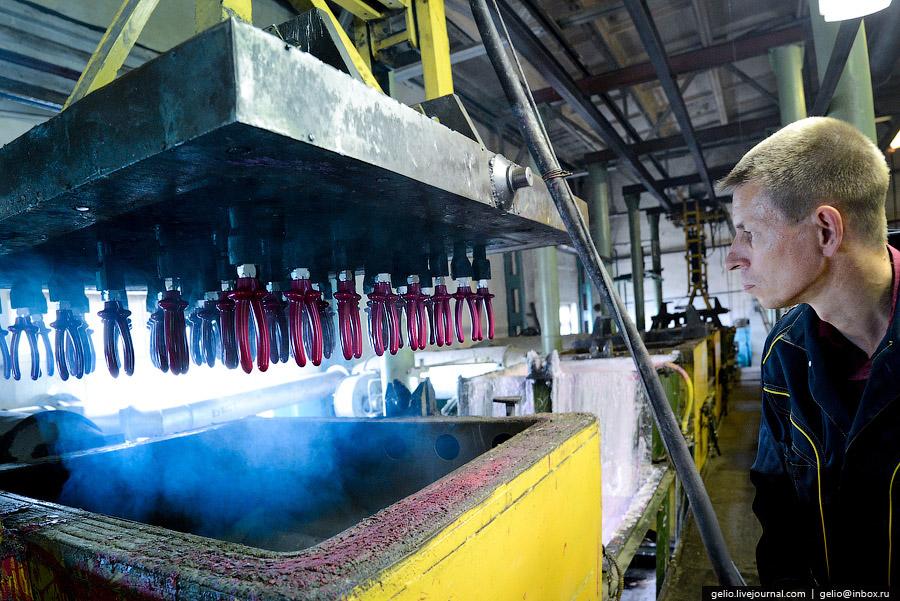 Новосибирский инструментальный завод