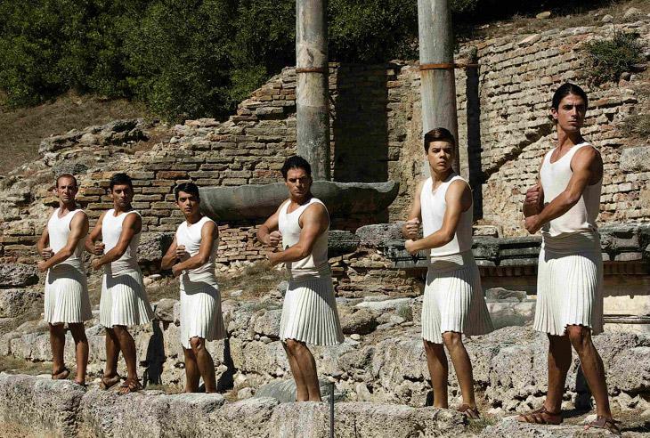 Представление на развалинах храма богини Геры в Греции