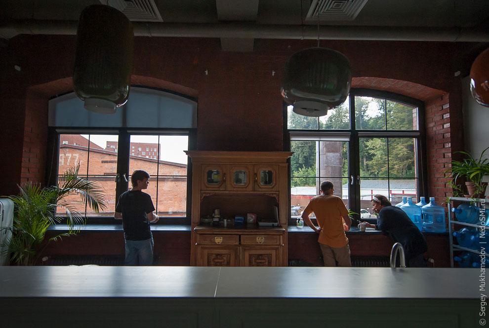 Необычный офис: большая коммуналка