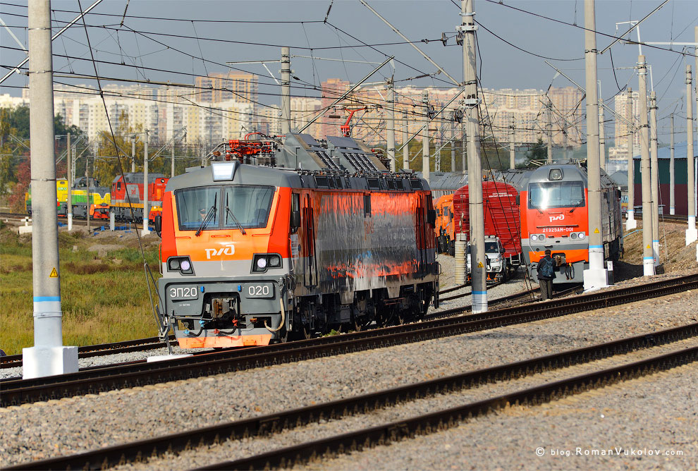 Новый двухсистемный пассажирский электровоз ЭП20