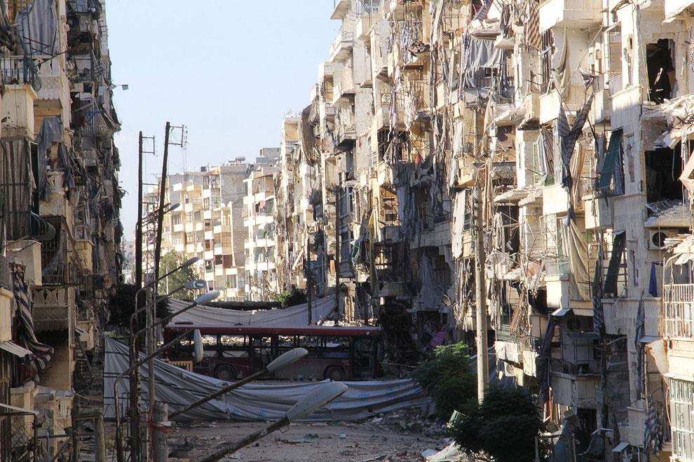 На протяжении многих веков Алеппо был самым крупным городом в Великой Сирии и третьим по величине в Оттоманской империи, после Константинополя и Каира