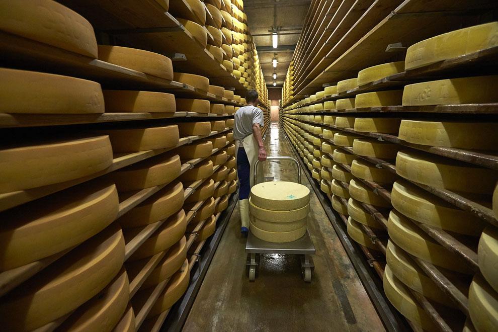 Здесь сыр будет созревать 6 месяцев