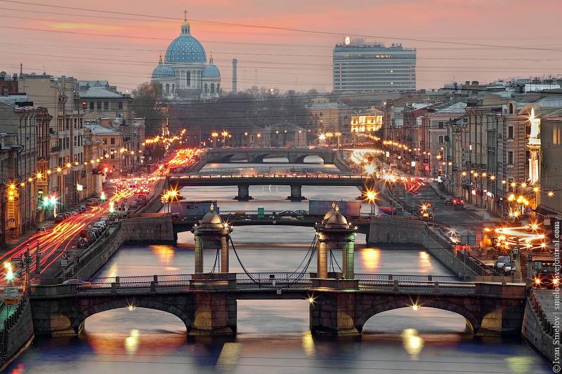 «Парад» мостов чрез Фонтанку
