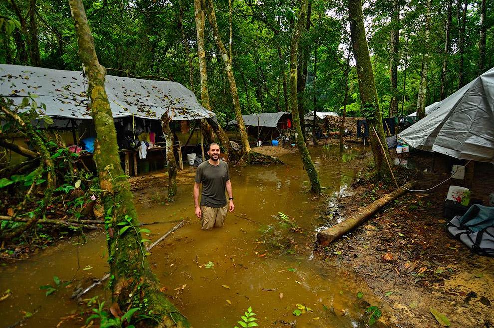Подтопленный из-за дождей научный лагерь на юго-востоке Суринама