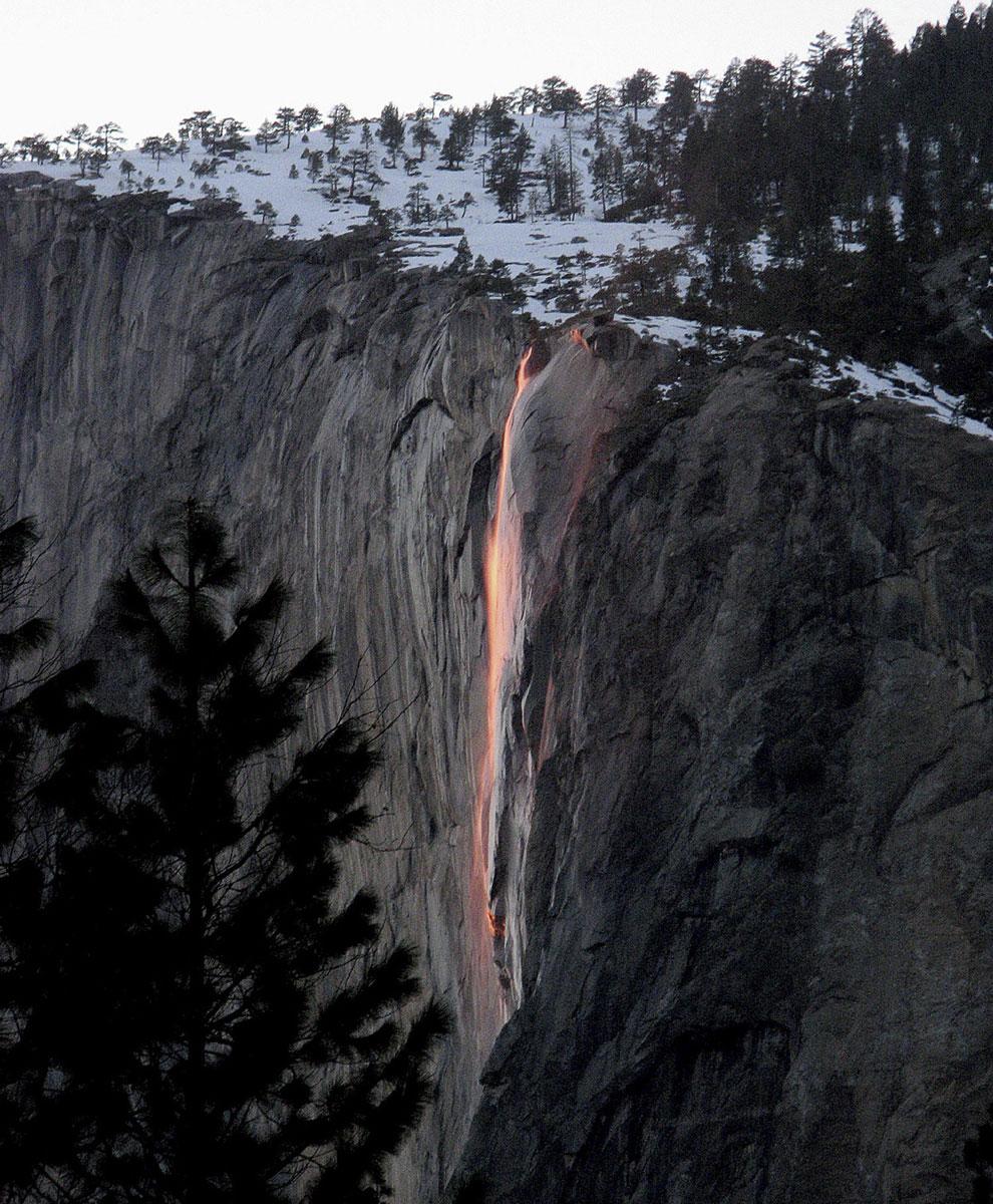 Знаменитый водопад «Лошадиный хвост»
