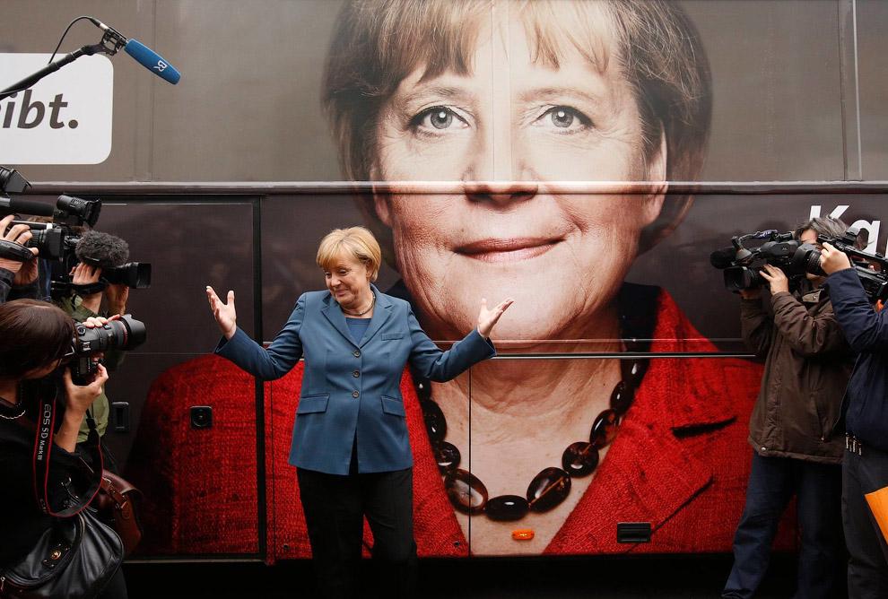 Канцлер Германии Ангела Меркель, лидер Христианско-демократического союза и самая могущественная в мире женщина победила в Германии на выборах