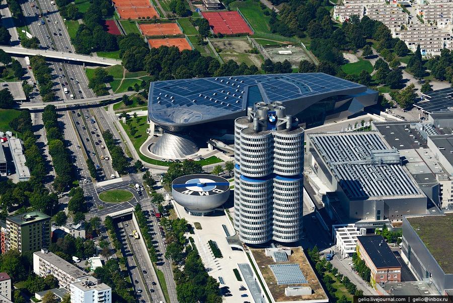 Башня BMW (BMW-Vierzylinder)