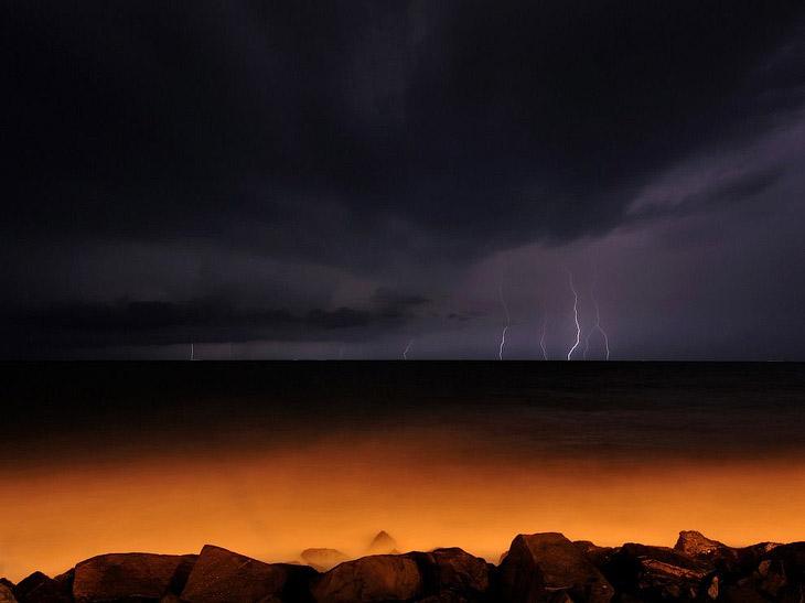 Молнии в Бенгальском заливе