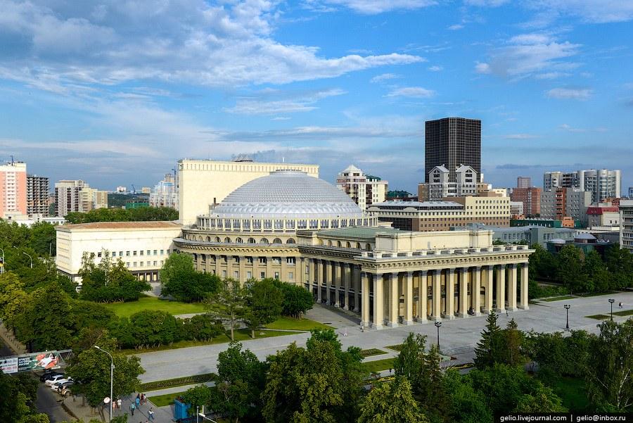 Театр оперы и балета — визитная карточка Новосибирска