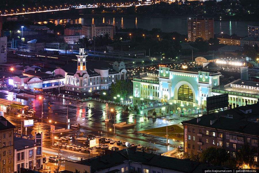 Привокзальная площадь, носящая имя основателя города, Гарина-Михайловского
