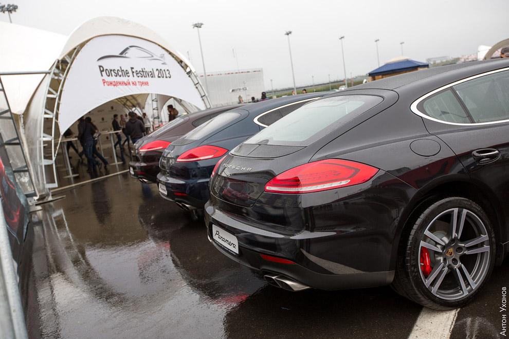 А это современная линейка Porsche Panamera