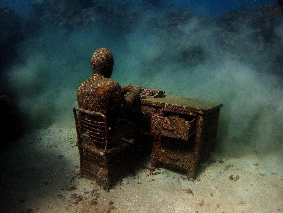 «Потерявшийся корреспондент». Всего год подводной жизни на Гренаде превратили его в искусственный риф