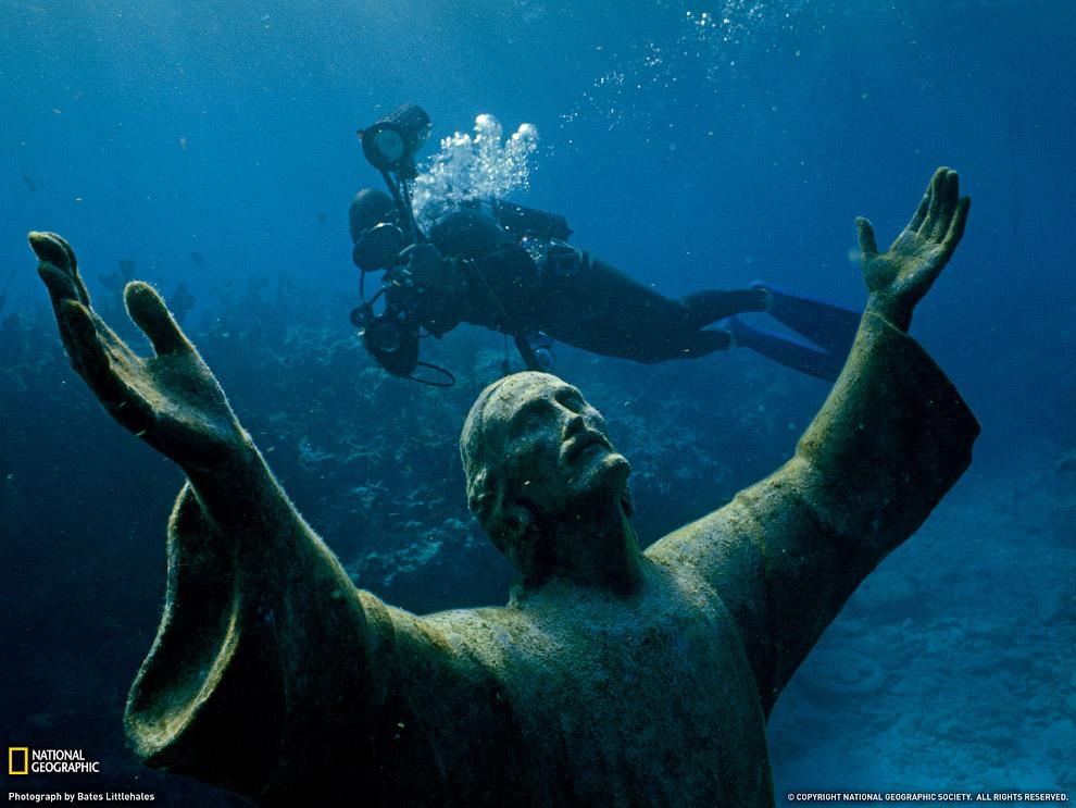 Эта статуя Христа 25 августа 1965 года украсила риф возле острова Ки Ларго во Флориде