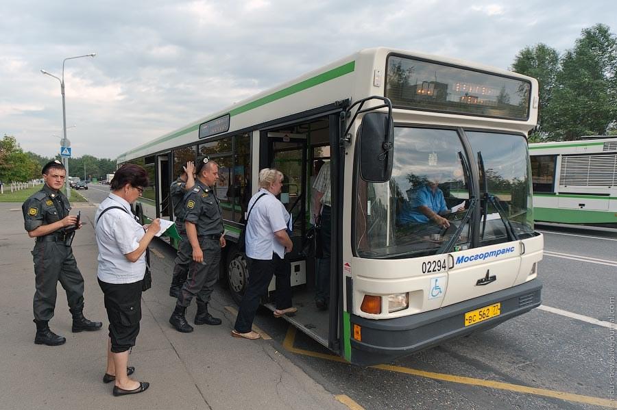 Как ловят «зайцев» на общественном транспорте