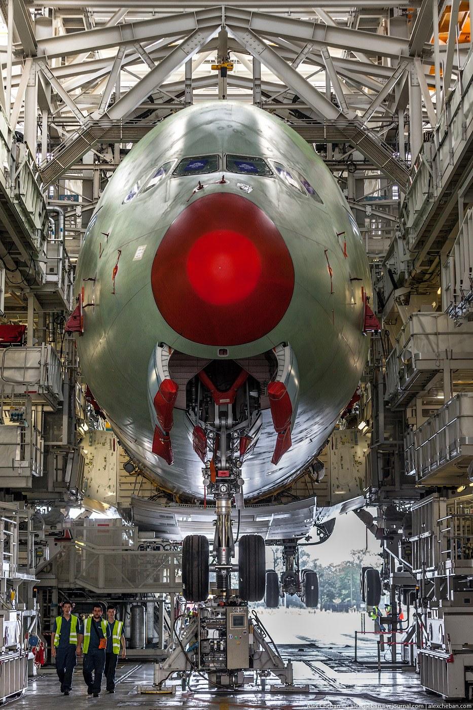 Как делают самый большой в мире пассажирский самолетКак делают самый большой в мире пассажирский самолет