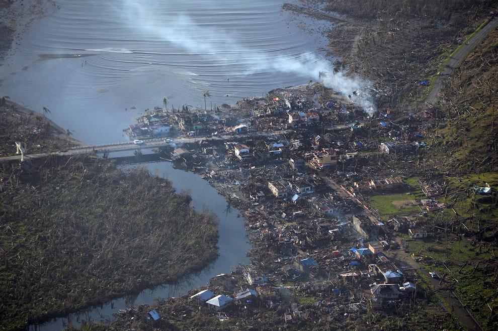 Провинция Самар в центральной части Филиппин после прохода тайфуна