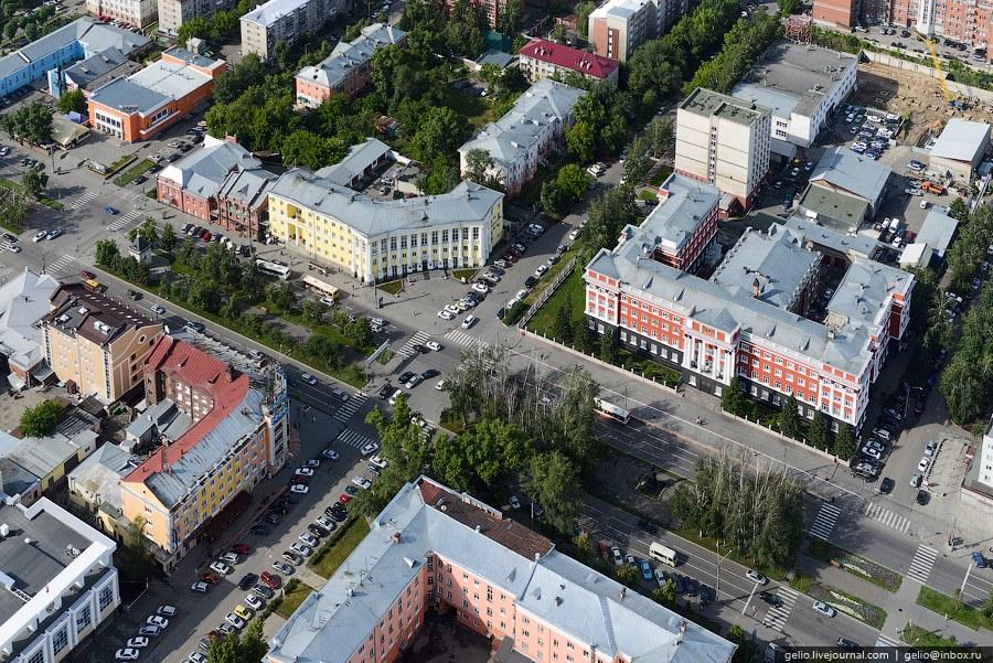 Пересечение проспекта Ленина и улицы Анатолия
