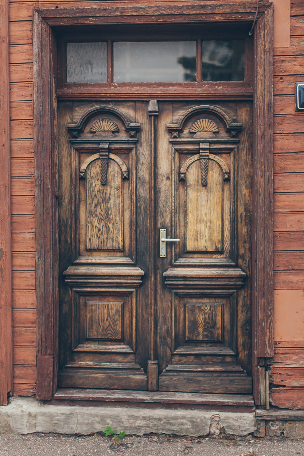 Как выглядят двери в разных уголках Европы