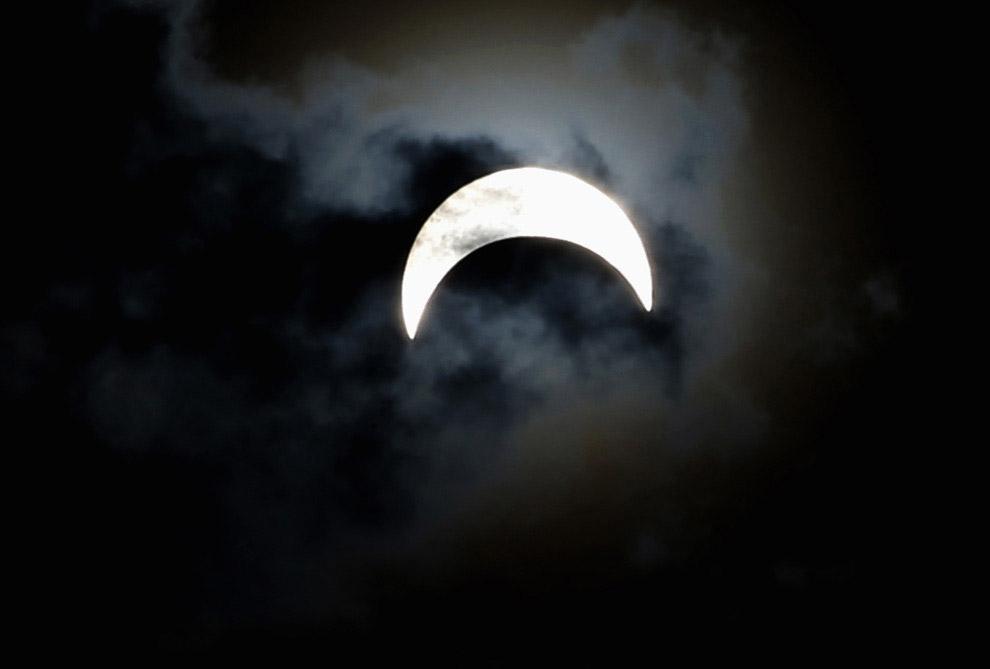Редкое гибридное солнечное затмение на Кубе