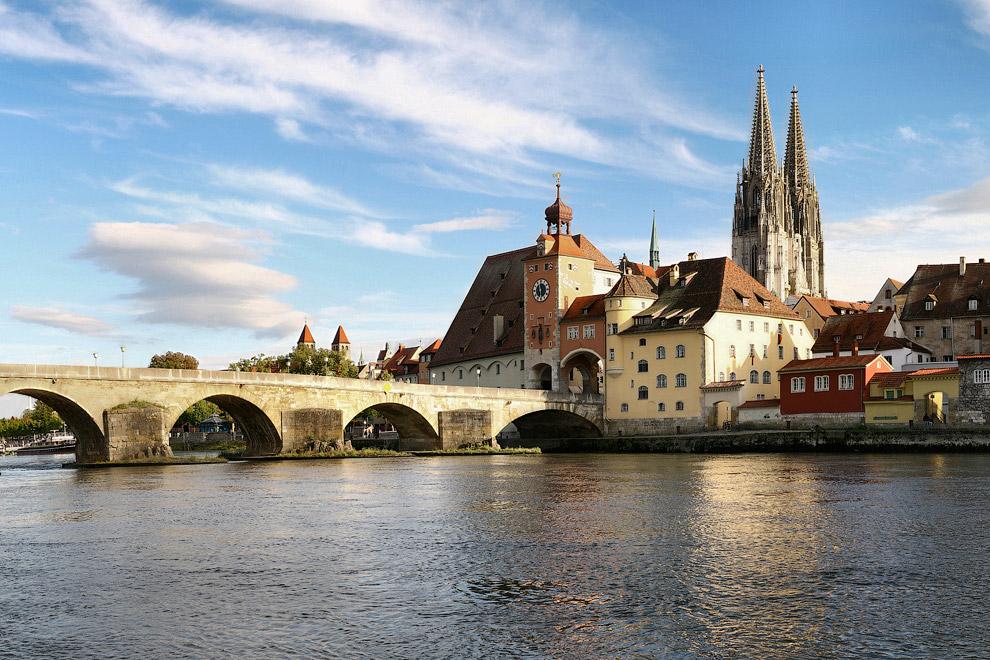 Река Дунай в Регенсбурге, Германия