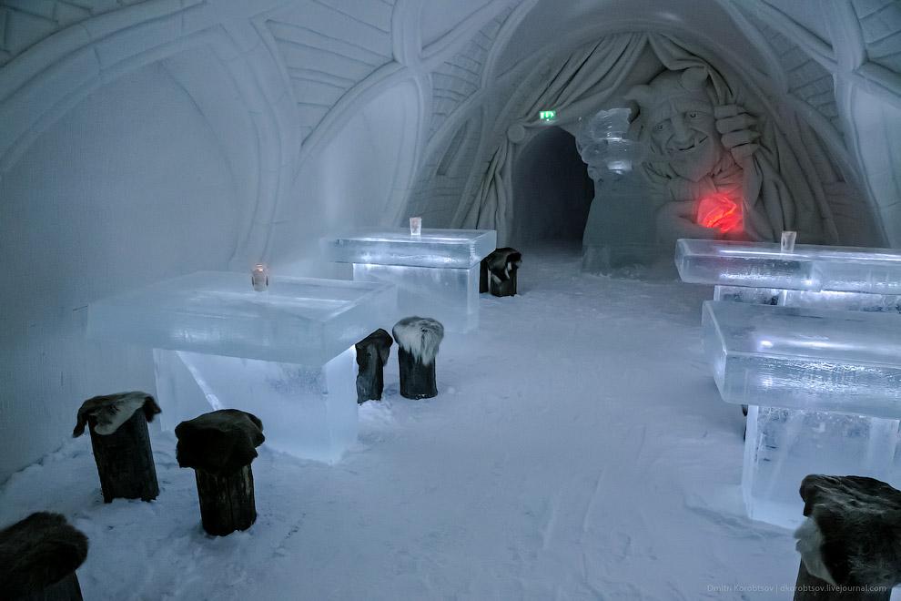 Снежный замок в Лапландии