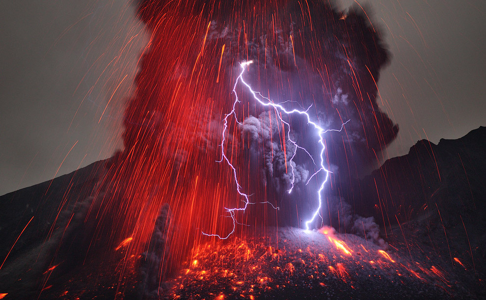 В конце февраля фотограф Martin Rietze снял красивые фотографии извержения вулкана Сакурадзима