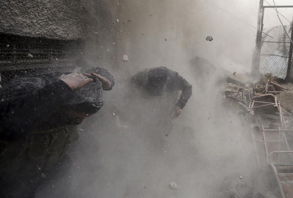 Фотограф агентства Рейтер Горан Томашевич в январе 2013 ездил по улицам столицы Сирии — Дамаска с мятежниками из Свободной сирийской армии