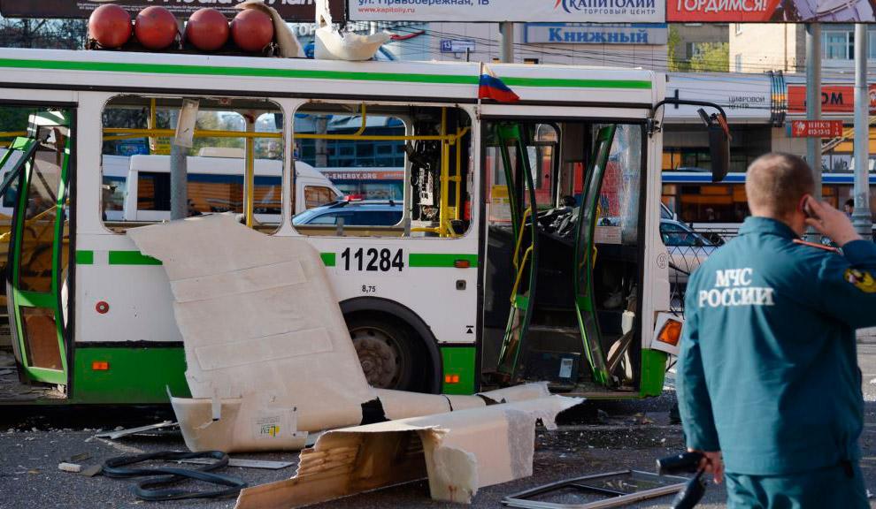 9 мая 2013 в результате взрыва газового баллона на крыше рейсового автобуса 745 маршрута