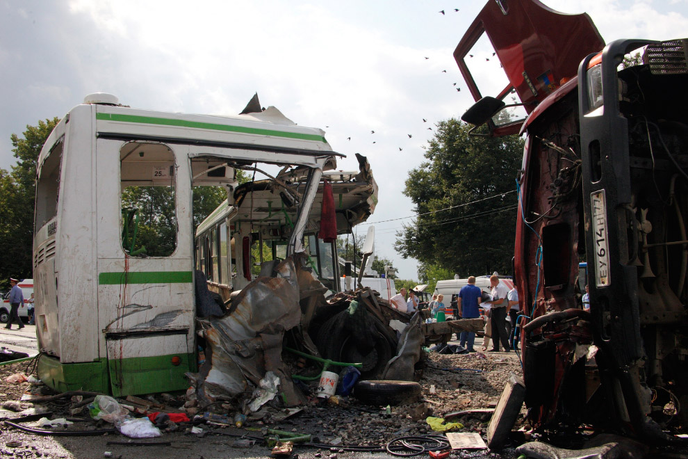 Трагедия под Подольском. 13 июля 2013 груженный щебнем грузовик врезался в рейсовый автобус, ехавший из Подольска в Курилово