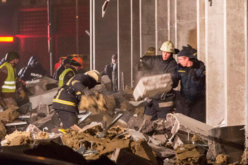 Трагедия в Риге. 21 ноября обрушилась одна из стен здания и крыша в торговом центре Maxima в Риге