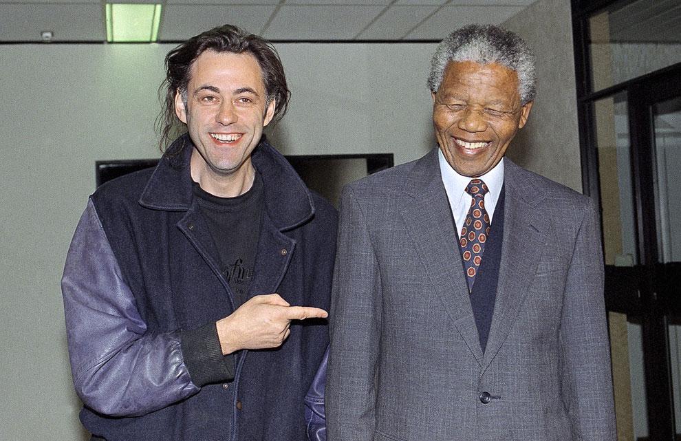 Ирландский музыкант Боб Гелдоф и Нельсон Мандела в Йоханнесбурге