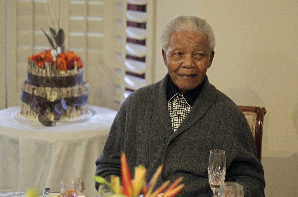 Нельсон Мандела празднует с семьей свой 94-й день рождения, Южная Африка