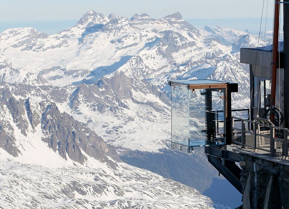 Стены смотровой площадки сделаны из 12-миллиметрового стека