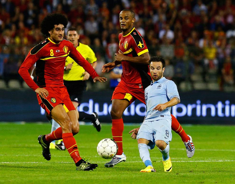 Это не иллюзия: рост французского футболиста Матьё Вальбуэна́ составляет 127 см