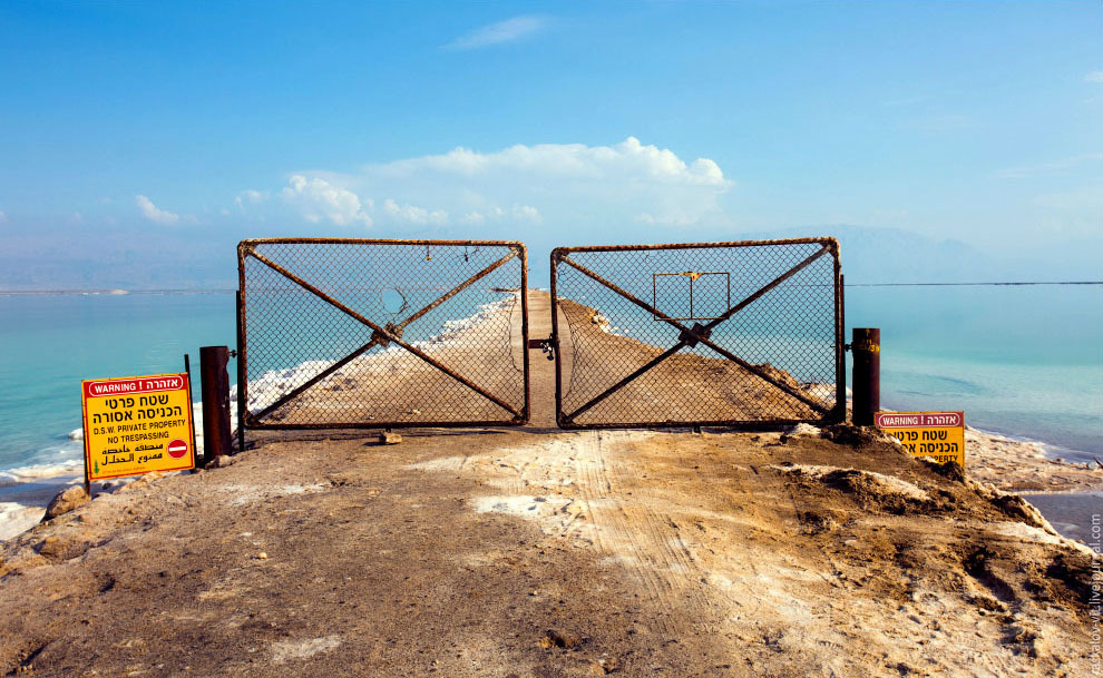 Вот такой забор отделяет Израиль и Иорданию