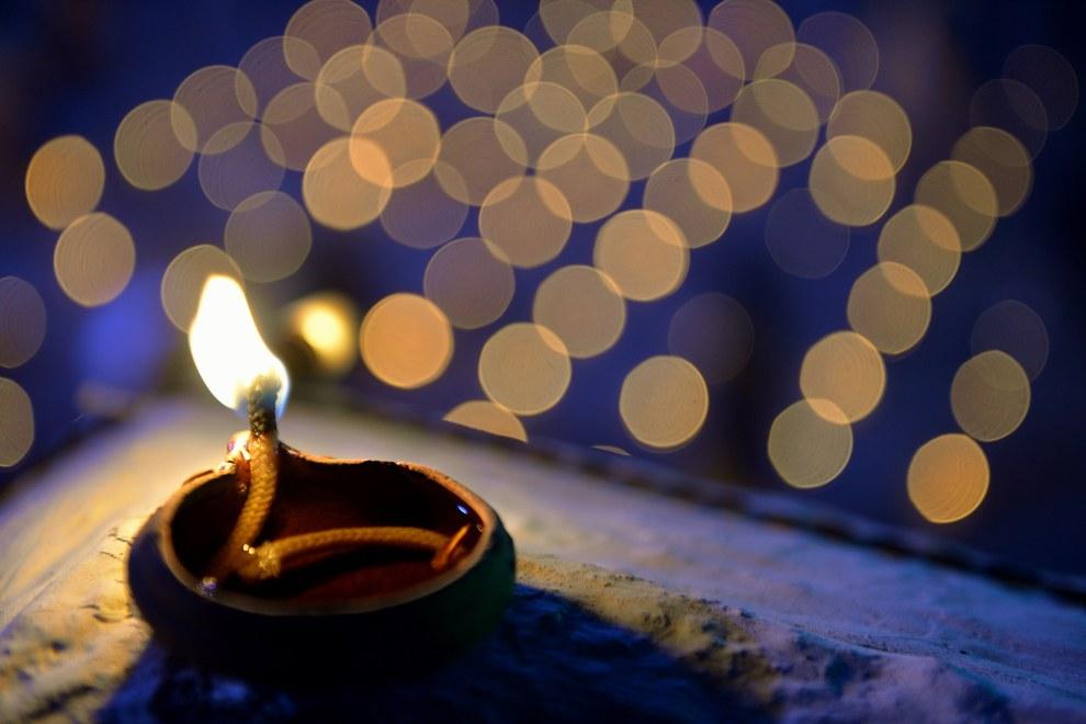 Раз в году (в ноябре — декабре по лунному календарю) в  индийском городе Тируваннамалае проходит большой фестиваль Картигай Дипам