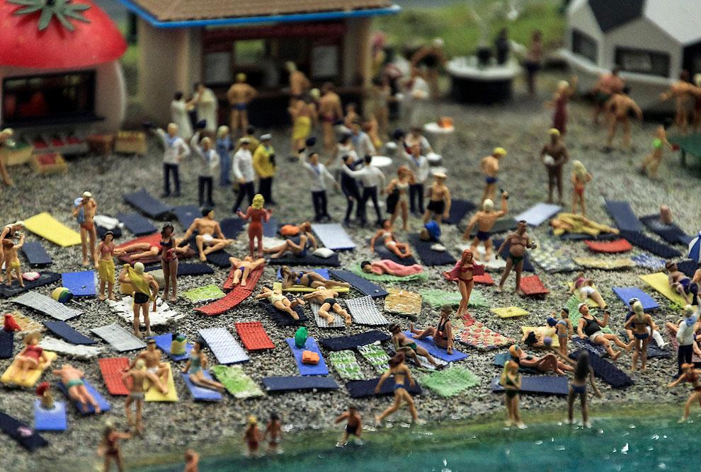 К услугам отдыхающих - немного моря и места на галечном пляже