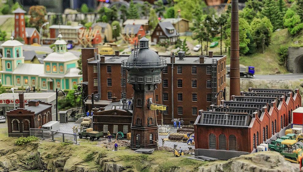 Урал - это бесконечные старые заводы