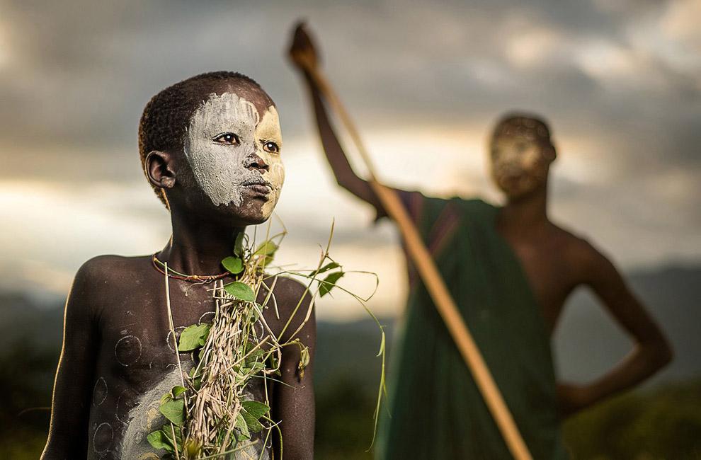 Племя Сури