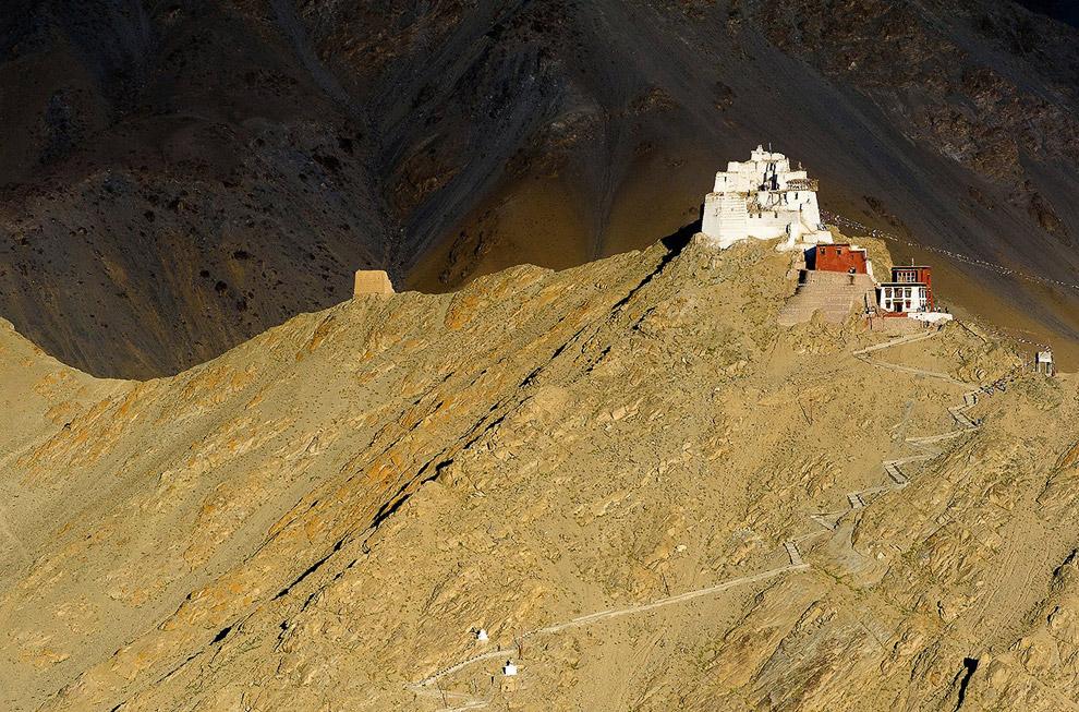 Монастырь Намгьял Цемо