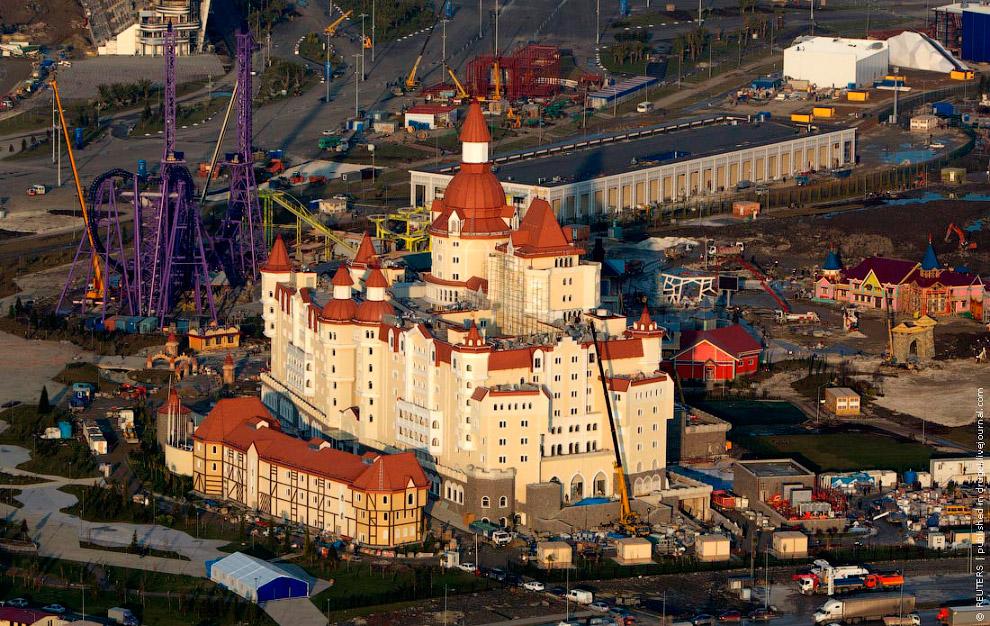 Рядом с AZIMUT строят тематический Парк развлечений с огромной гостиницей