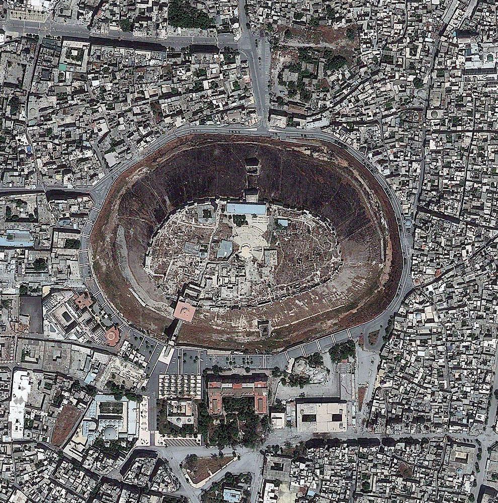 Цитадель Алеппо — средневековый дворец в Сирии
