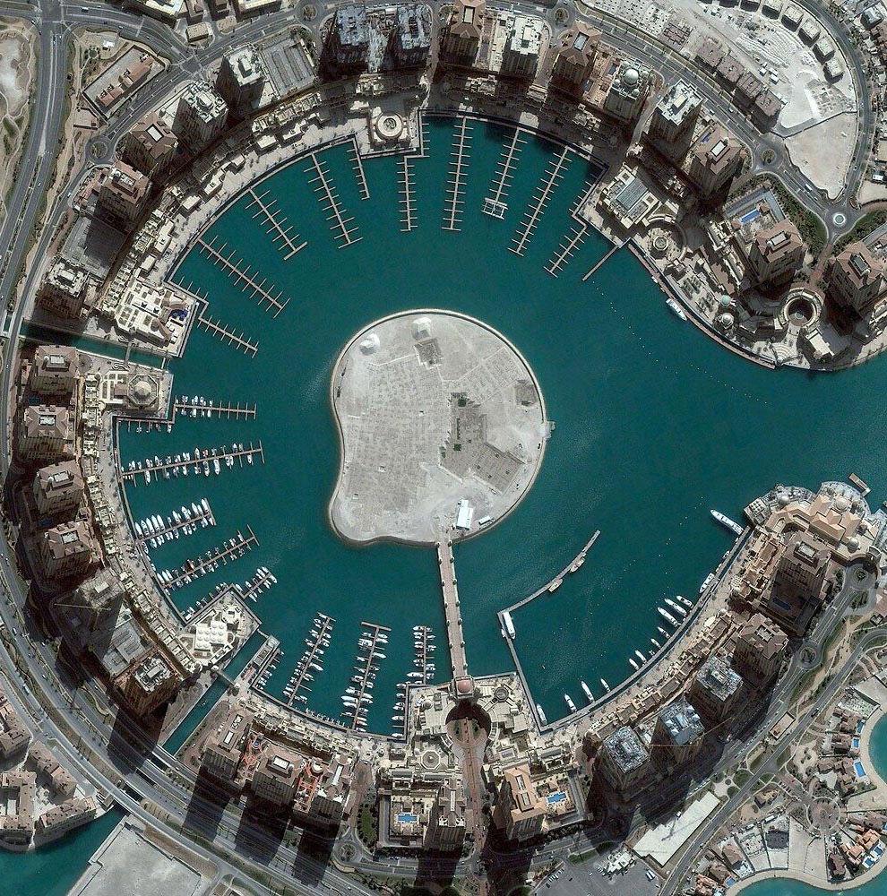 Искусственный остров в столице Катара — Дохе