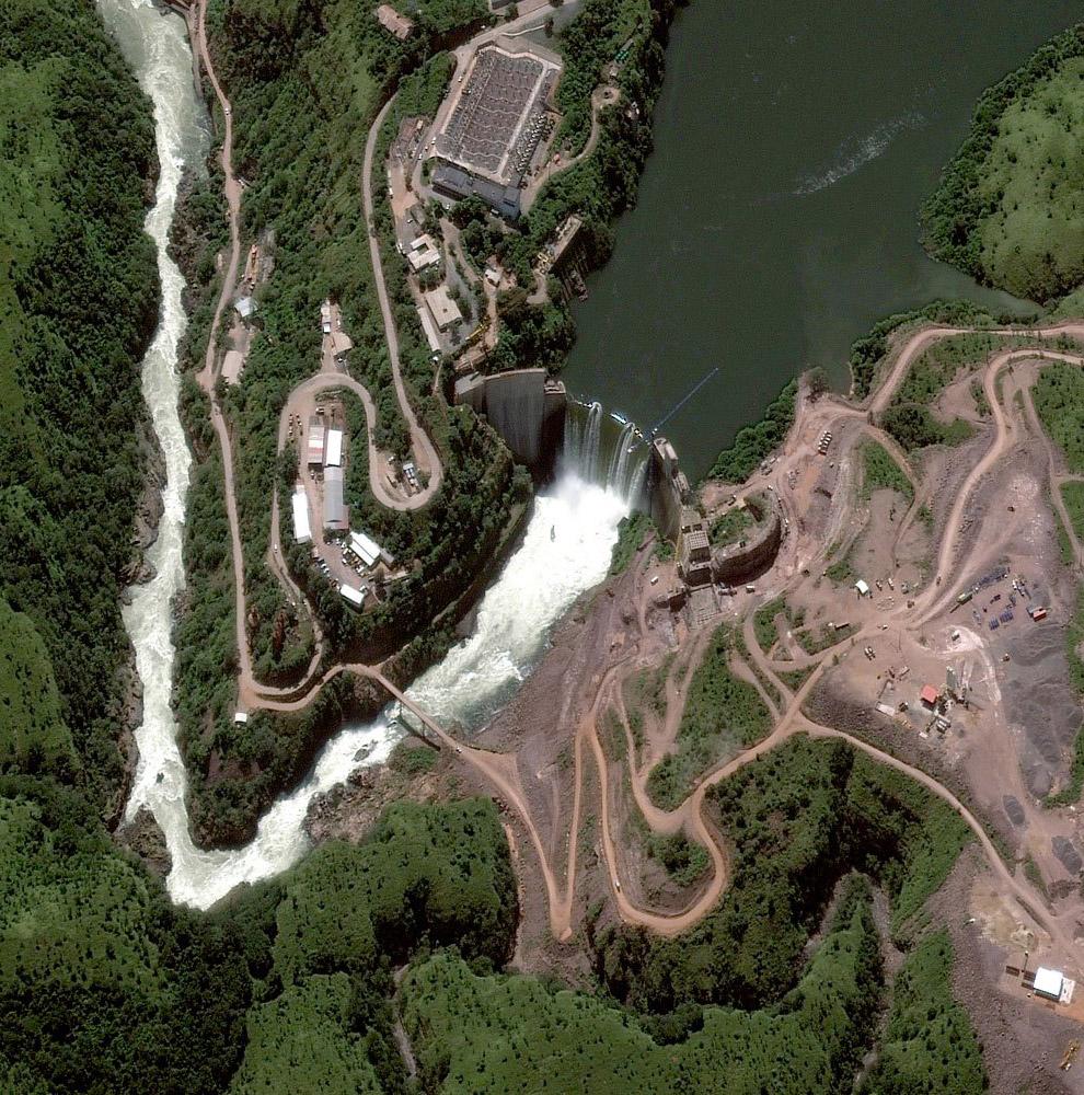 Плотина на реке Кванза в Анголе