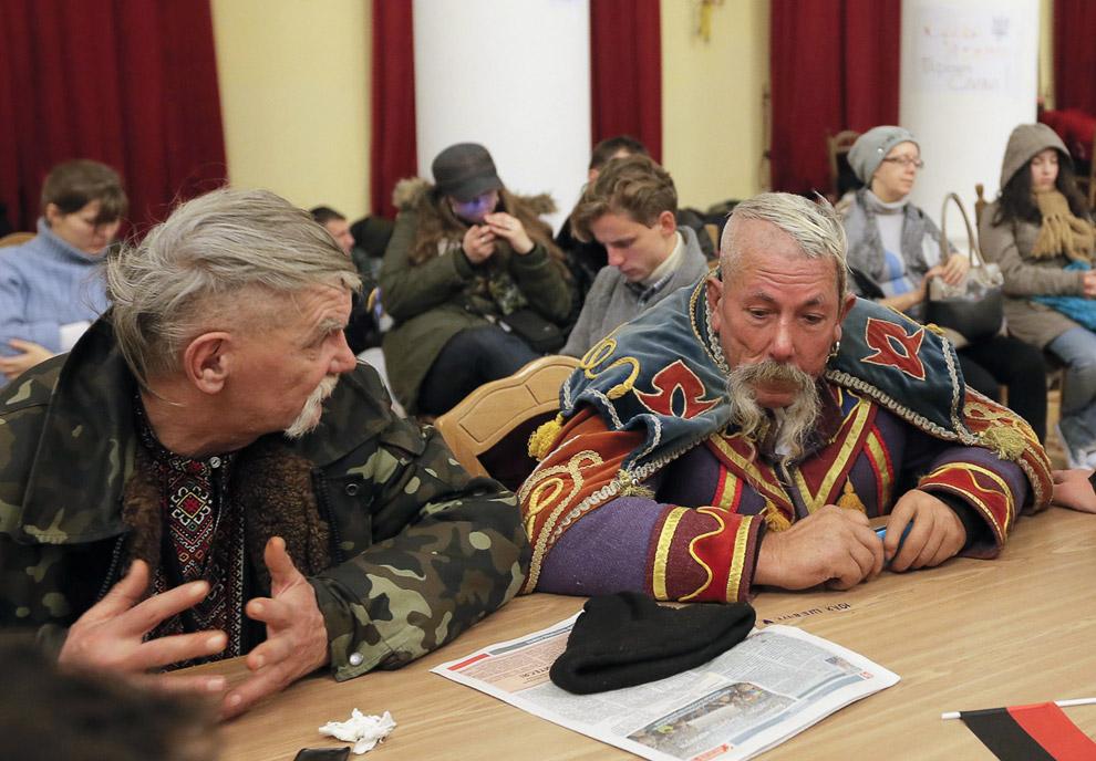 Тысячи протестующих захватили Киевсовет