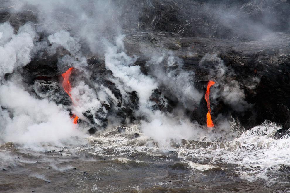 Килауэа (в переводе с гавайского — «изрыгающий») — самый активный вулкан острова Гавайи