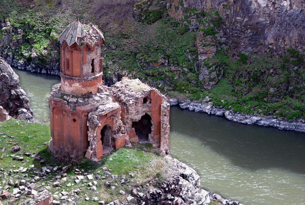 Древний монастырь, предположительно построенный между 1000 и 1200 годами