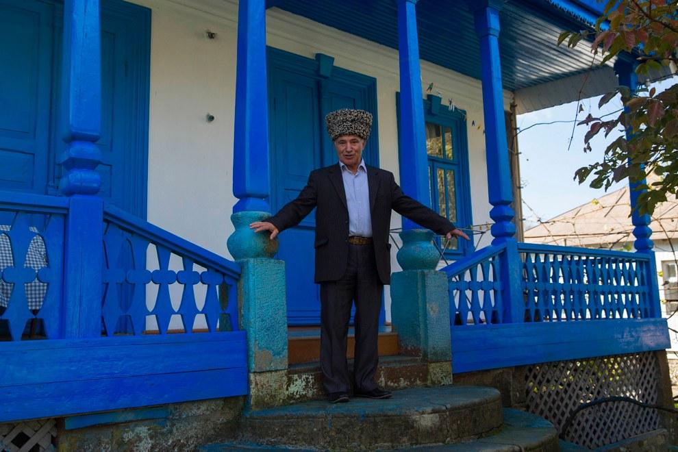 Черкесский сельский житель, писатель Мадин Чачух