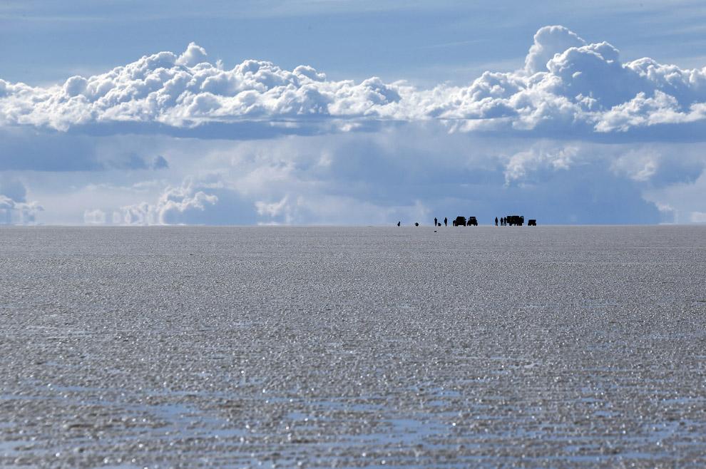 Красоты крупнейшего в мире высохшего соляного озера — солончака Уюни в Боливии