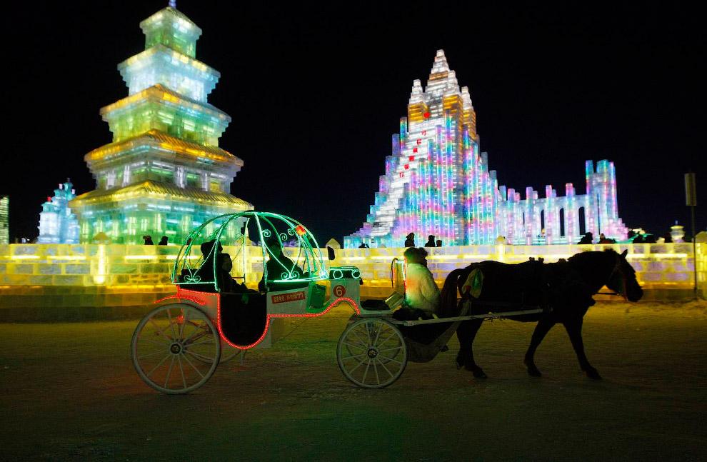 Международный фестиваль ледяных скульптур в Харбине 2014